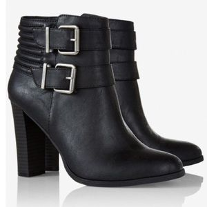 EXPRESS WOMEN'S BLACK RIBBED DOUBLE BUCKLE BOOTIES